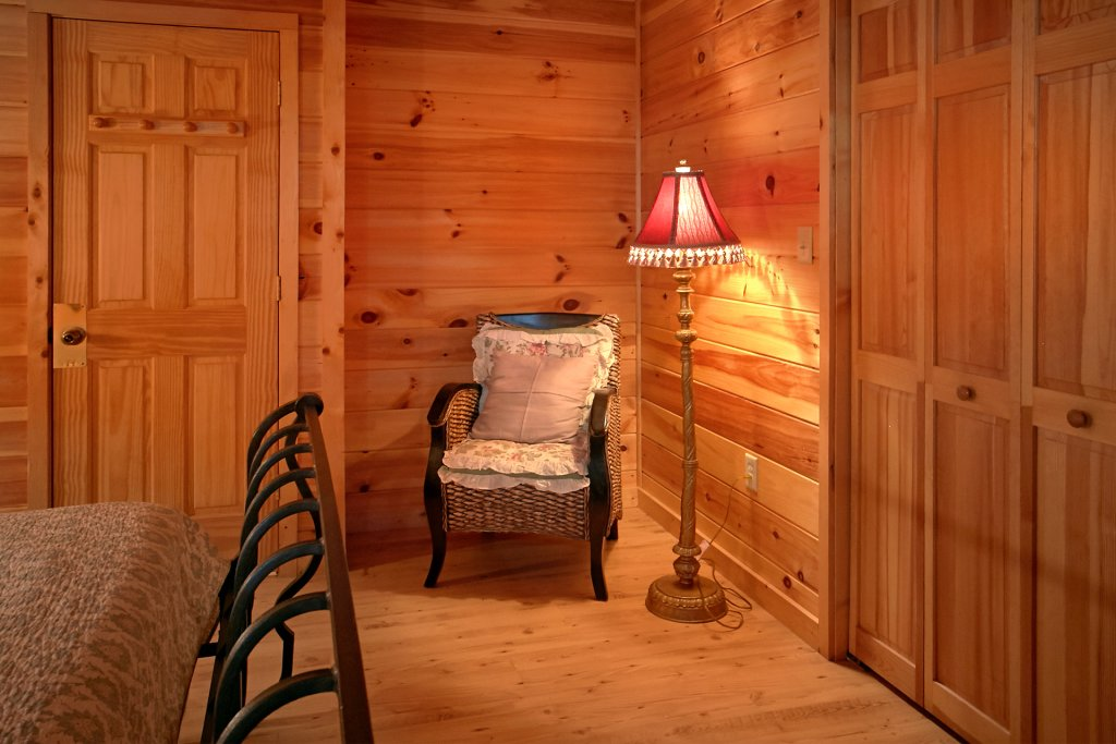 Photo of a Gatlinburg Cabin named Hawks Vue - This is the fifteenth photo in the set.