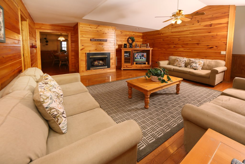 Photo of a Pigeon Forge Cabin named Magnolia Place Unit 2 (#5) - This is the thirteenth photo in the set.
