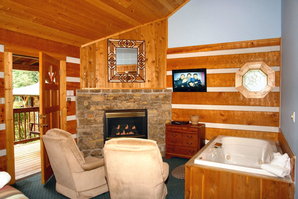 Photo of a Gatlinburg Cabin named Cuddle Inn #1529 - This is the fourth photo in the set.