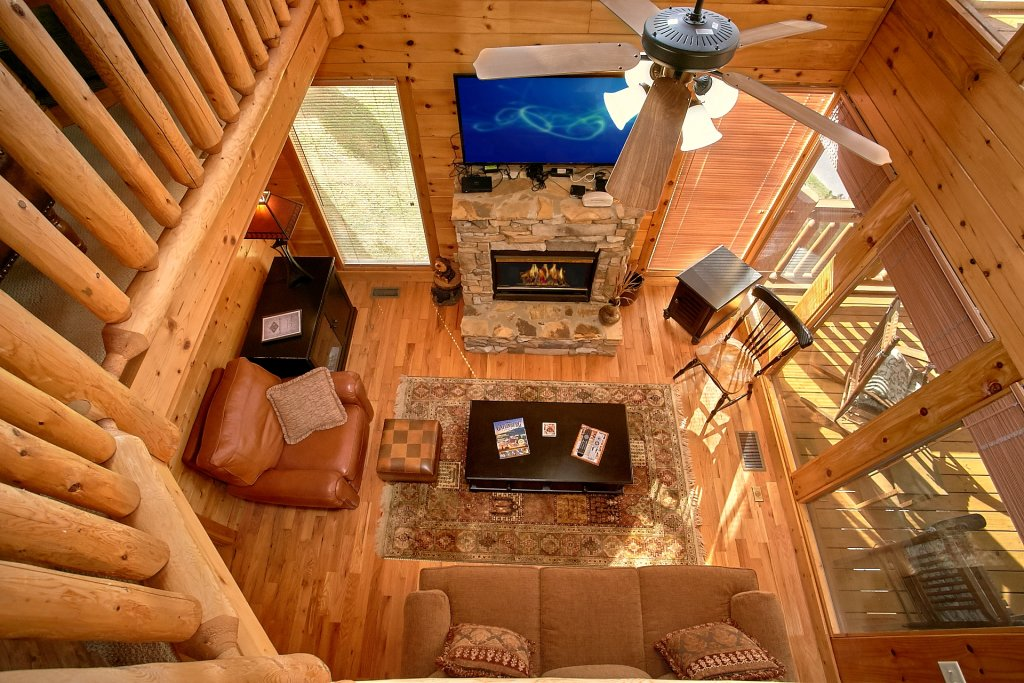 Photo of a Pigeon Forge Cabin named Sweet Retreat - This is the eighth photo in the set.