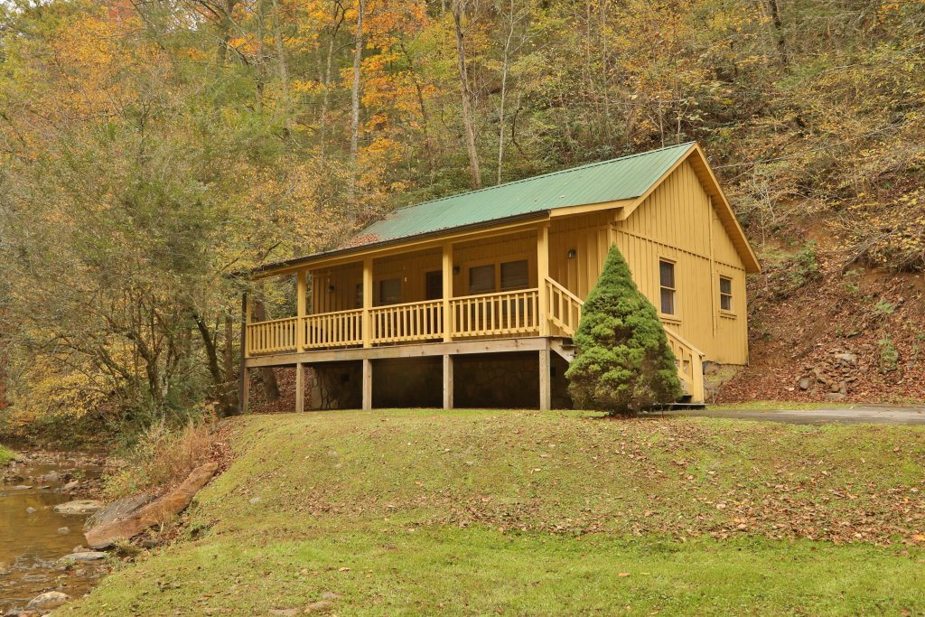 Photo of a Pigeon Forge Cabin named Creekside Tranquility #365 - This is the seventh photo in the set.