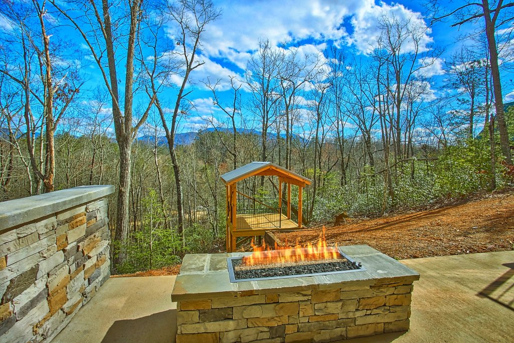 Photo of a Gatlinburg Cabin named Urban Cowboy - This is the sixth photo in the set.