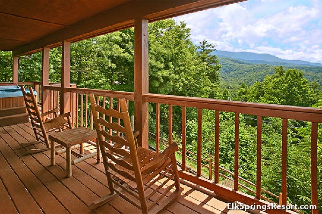 Photo of a Gatlinburg Cabin named Mountain Memories - This is the eighth photo in the set.