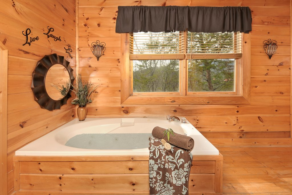 Photo of a Sevierville Cabin named Almost Heaven - This is the fifteenth photo in the set.