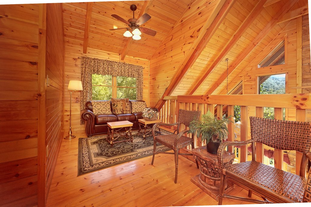 Photo of a Pigeon Forge Cabin named Secluded Hideaway - This is the twelfth photo in the set.