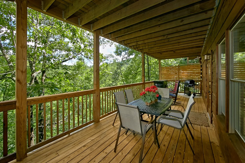 Photo of a Pigeon Forge Cabin named Majestic Forest - This is the sixteenth photo in the set.