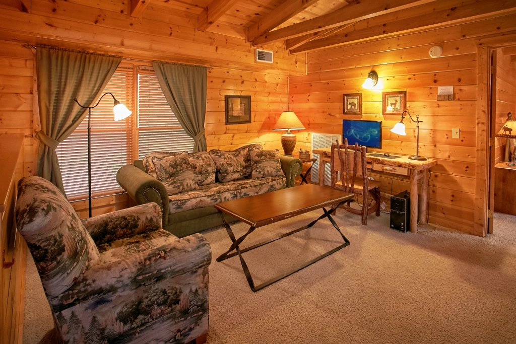 Photo of a Gatlinburg Cabin named Heavenly Heights - This is the fourteenth photo in the set.