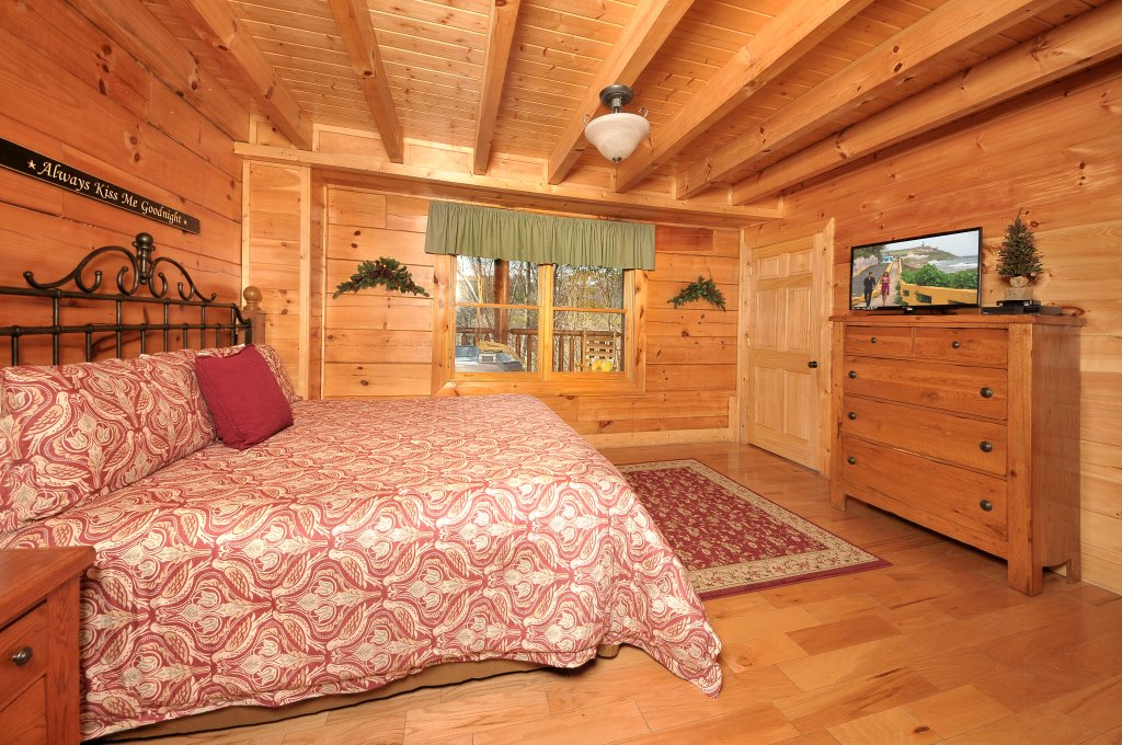 Photo of a Sevierville Cabin named Almost Heaven - This is the seventeenth photo in the set.