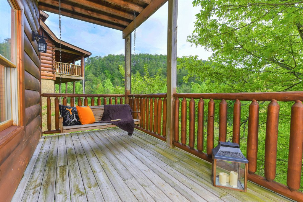 Photo of a Sevierville Cabin named Almost Heaven - This is the thirty-seventh photo in the set.