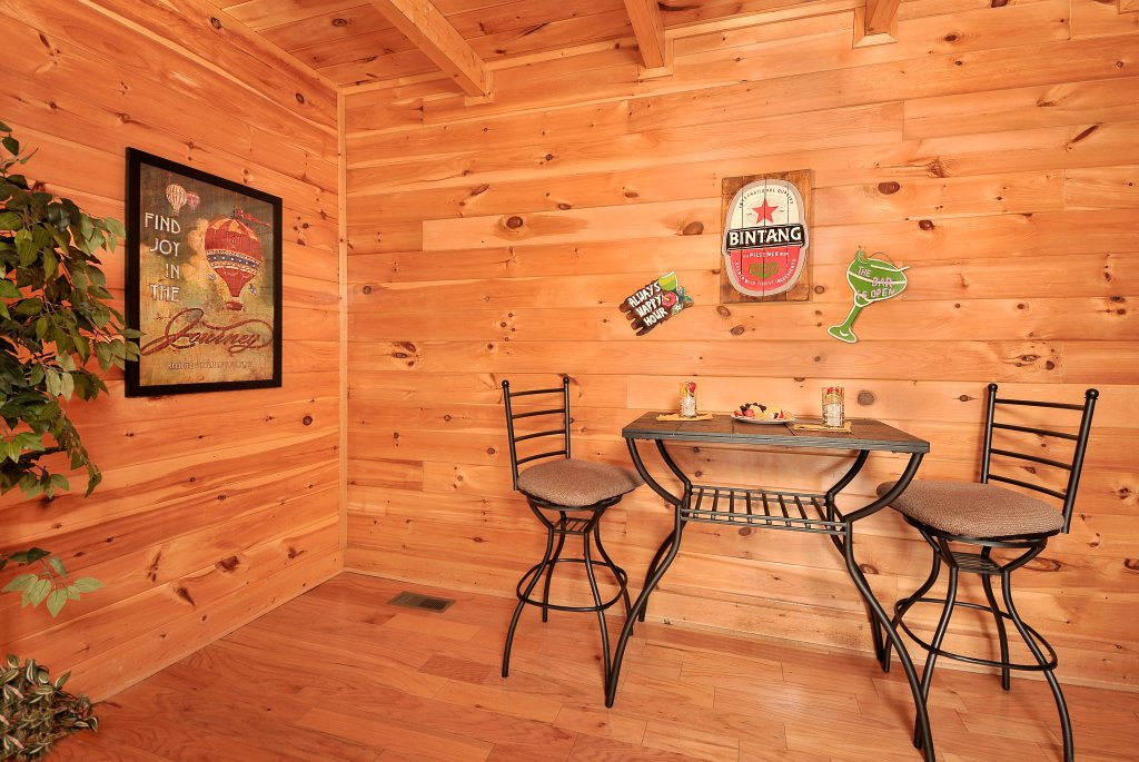 Photo of a Pigeon Forge Cabin named Almost Heaven - This is the thirty-first photo in the set.