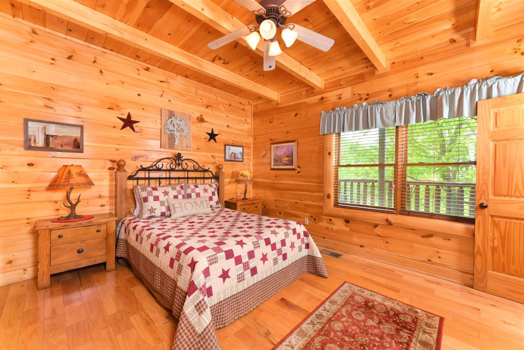 Photo of a Sevierville Cabin named Almost Heaven - This is the eighteenth photo in the set.