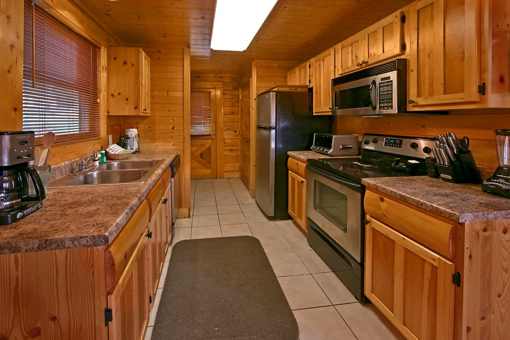 Photo of a Pigeon Forge Cabin named Sweet Retreat - This is the fifteenth photo in the set.