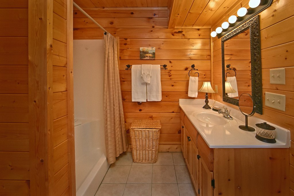 Photo of a Pigeon Forge Cabin named Sweet Retreat - This is the eighteenth photo in the set.