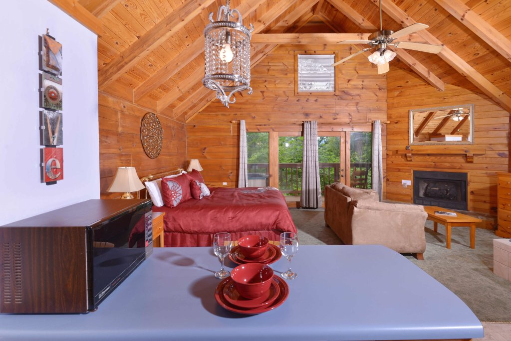 Photo of a Gatlinburg Cabin named Foxy Lady #1531 - This is the fourteenth photo in the set.