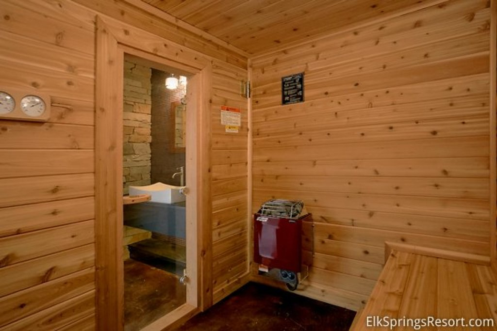 Photo of a Gatlinburg Cabin named Urban Cowboy - This is the seventh photo in the set.