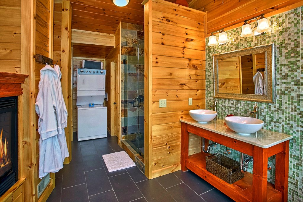 Photo of a Gatlinburg Cabin named Urban Cowboy - This is the twenty-first photo in the set.