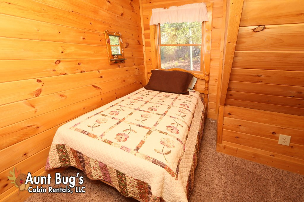 Photo of a Gatlinburg Cabin named Morning Mist #246 - This is the twenty-second photo in the set.
