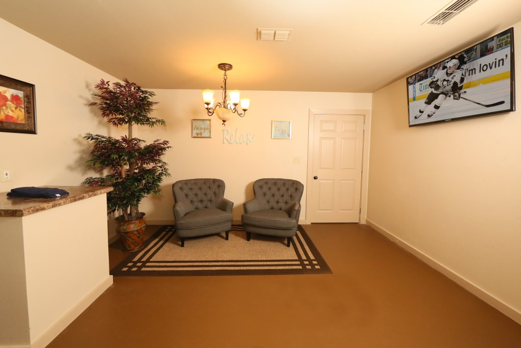 Photo of a Pigeon Forge Cabin named Magnolia Place Unit 1 (#5) - This is the forty-first photo in the set.