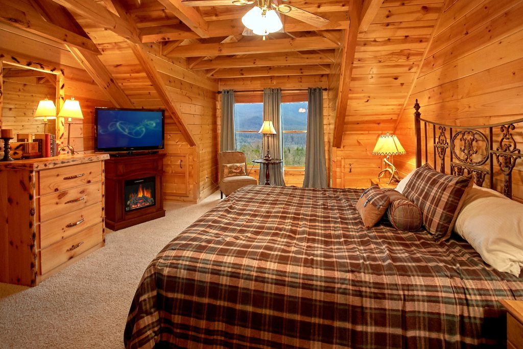 Photo of a Gatlinburg Cabin named Heavenly Heights - This is the eighteenth photo in the set.