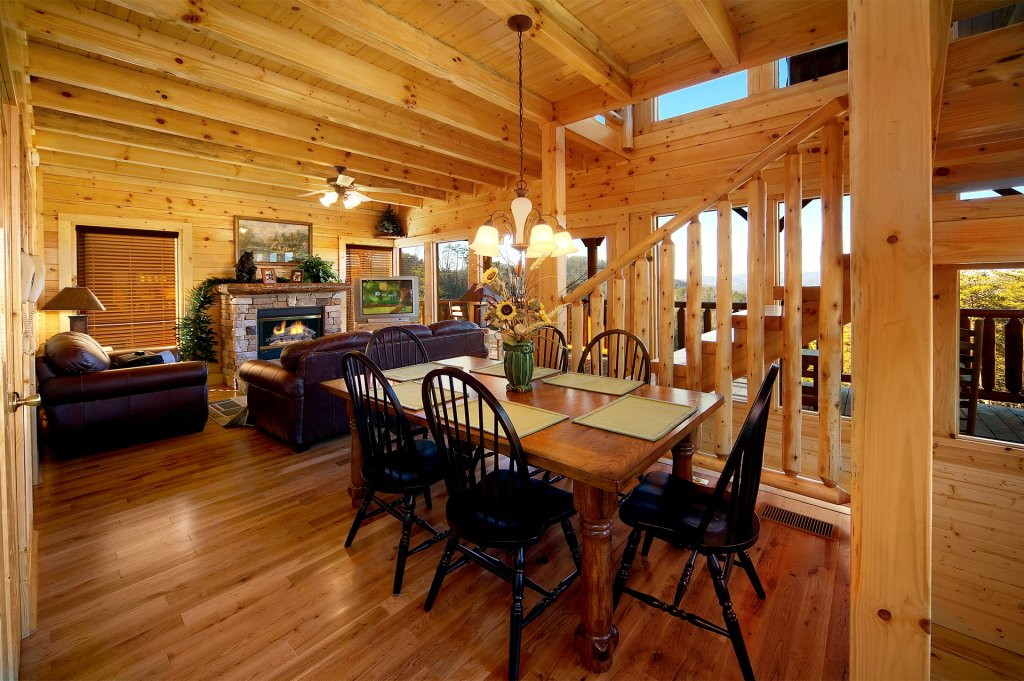 Photo of a Pigeon Forge Cabin named Awesome Views - This is the sixth photo in the set.