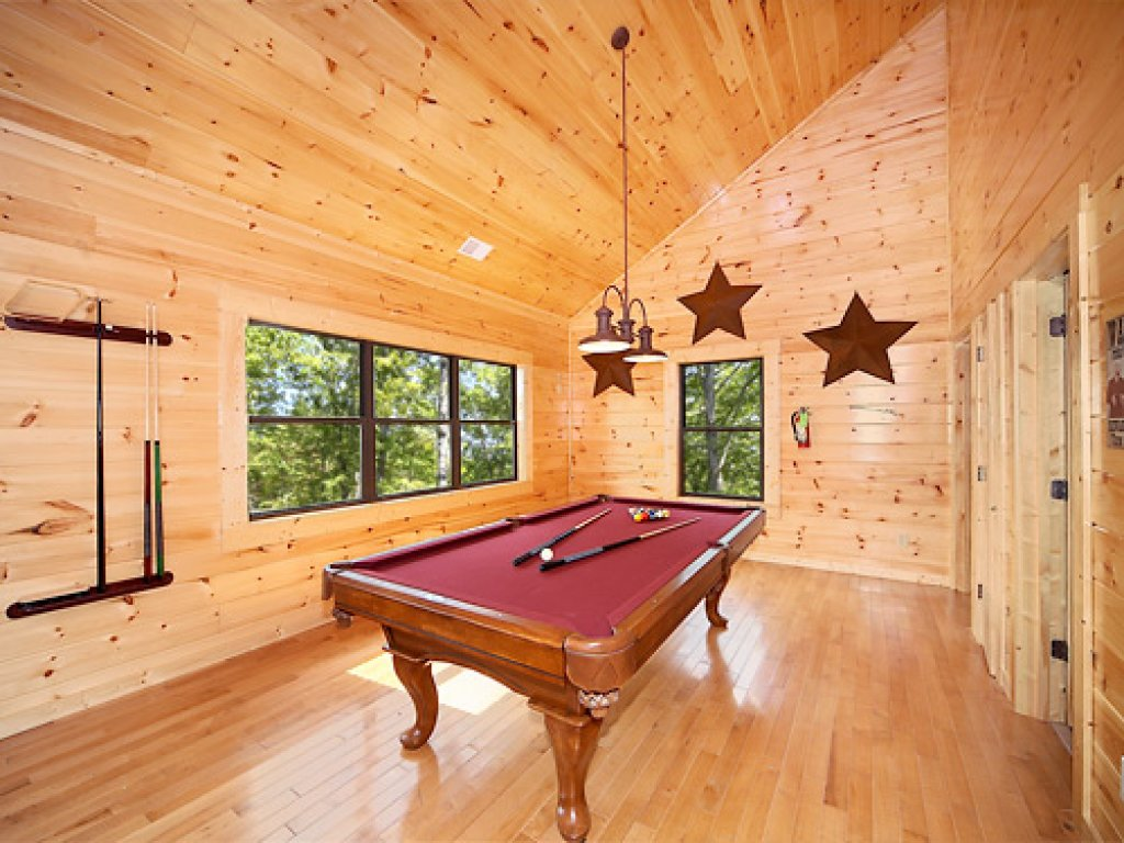 Photo of a Gatlinburg Cabin named Southern Comfort - This is the third photo in the set.