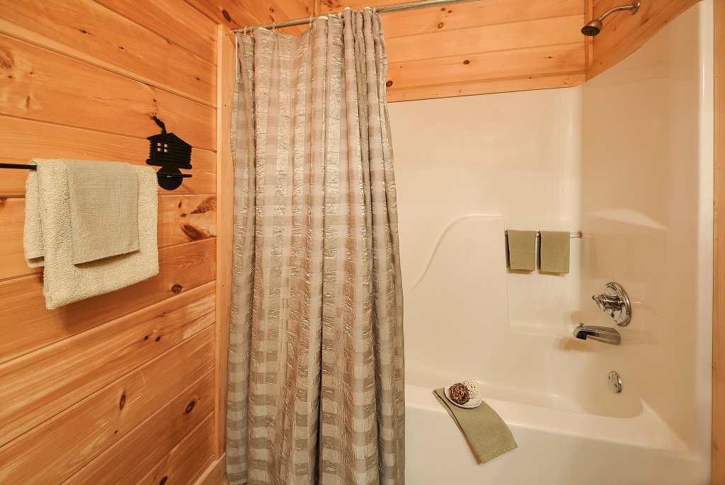 Photo of a Sevierville Cabin named Almost Heaven - This is the forty-second photo in the set.