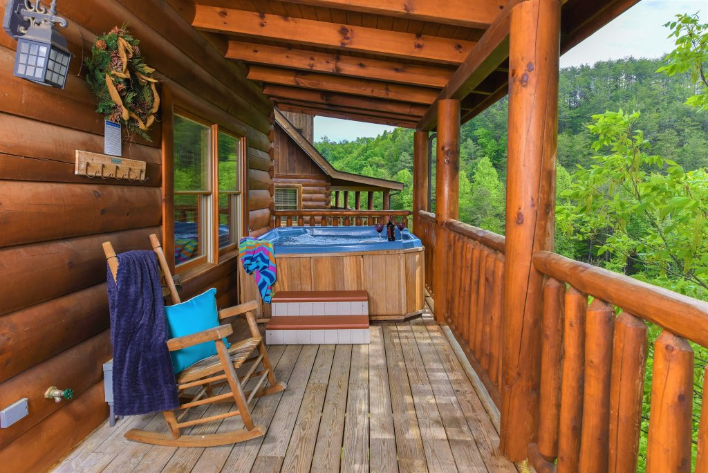 Photo of a Sevierville Cabin named Almost Heaven - This is the tenth photo in the set.