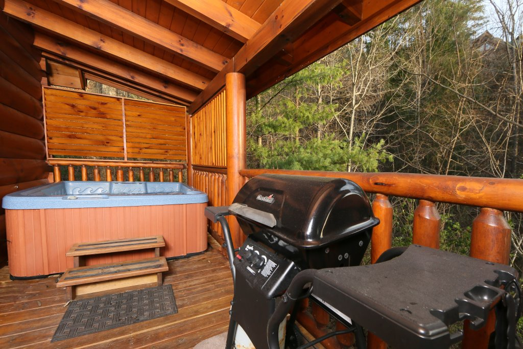 Photo of a Pigeon Forge Cabin named Mountain Fun - This is the fourth photo in the set.
