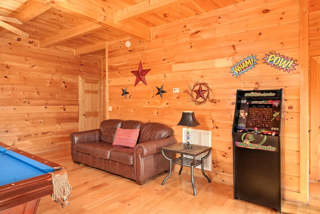 Photo of a Pigeon Forge Cabin named Almost Heaven - This is the thirty-second photo in the set.