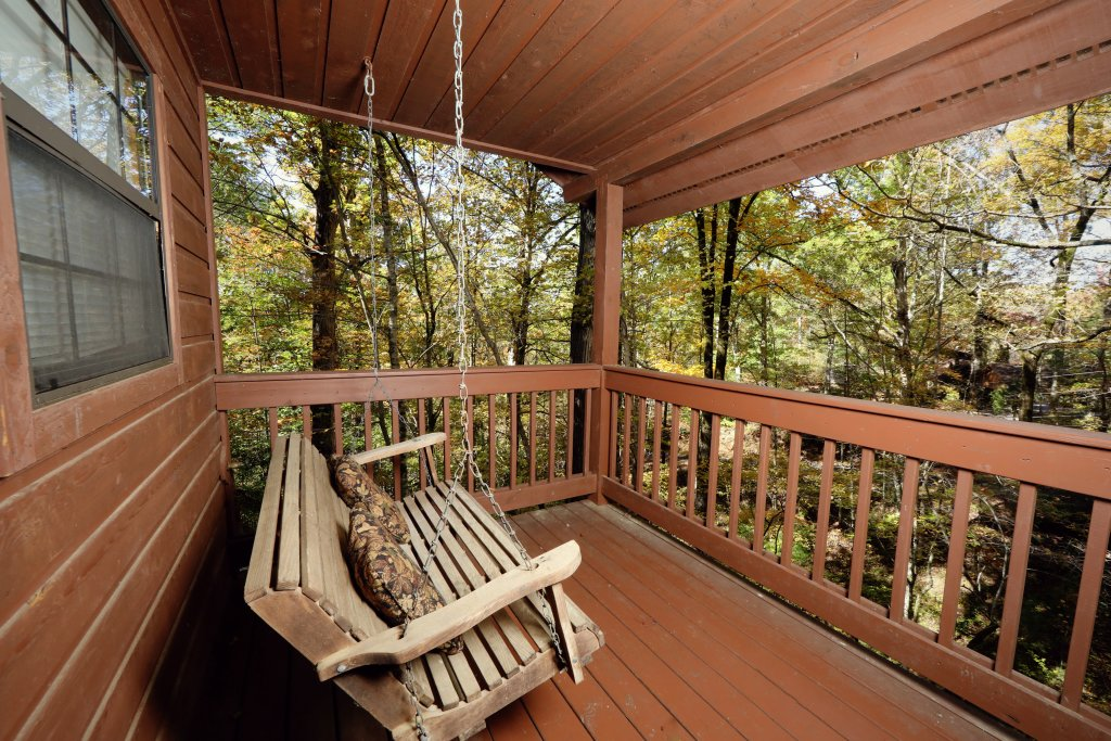 Photo of a Pigeon Forge Cabin named Four Seasons #193 - This is the eighteenth photo in the set.