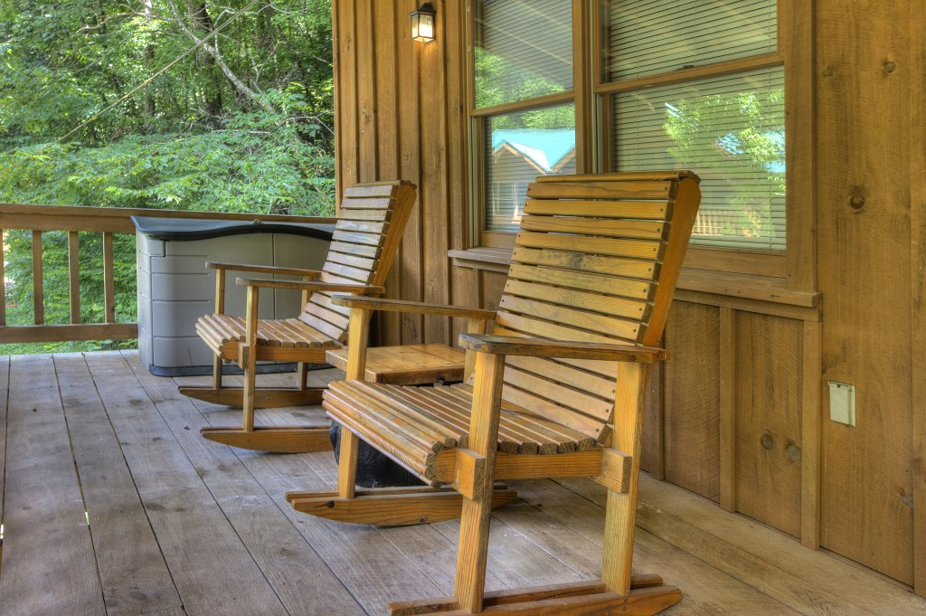 Photo of a Pigeon Forge Cabin named Stream Of Love #374 - This is the thirtieth photo in the set.