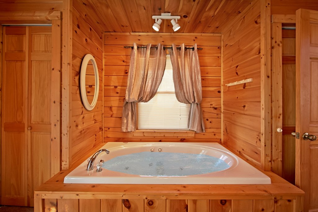 Photo of a Gatlinburg Cabin named A Secret Hideaway - This is the fifteenth photo in the set.