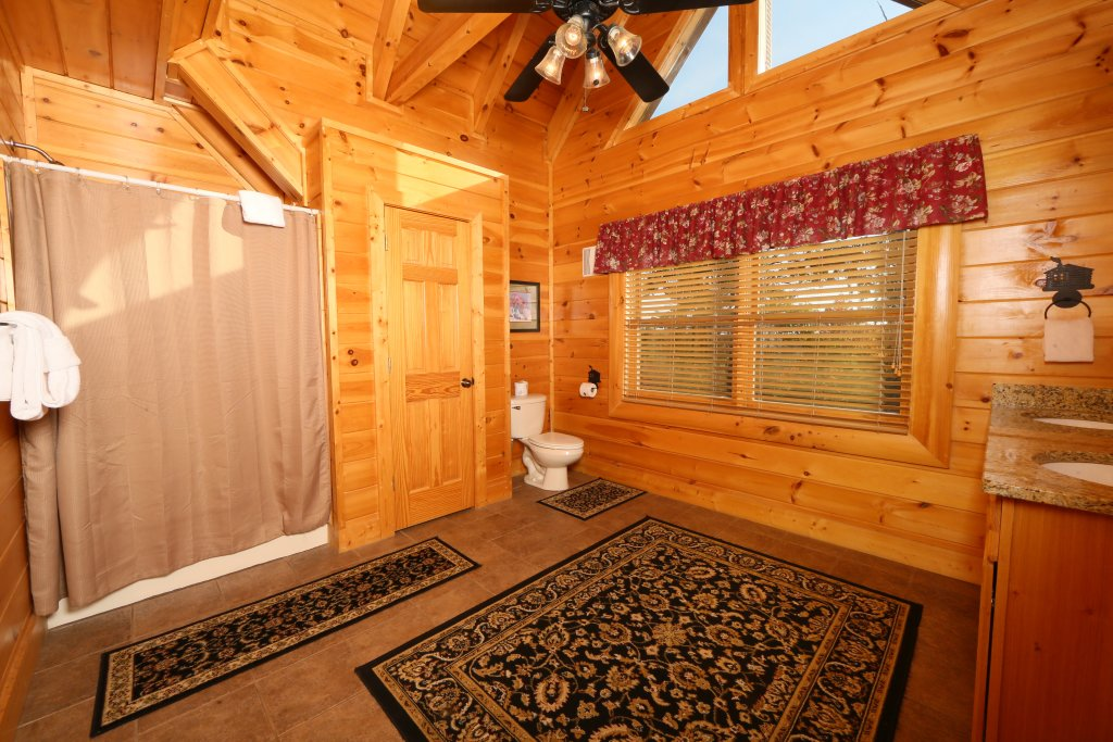 Photo of a Pigeon Forge Cabin named Better View - This is the twenty-third photo in the set.