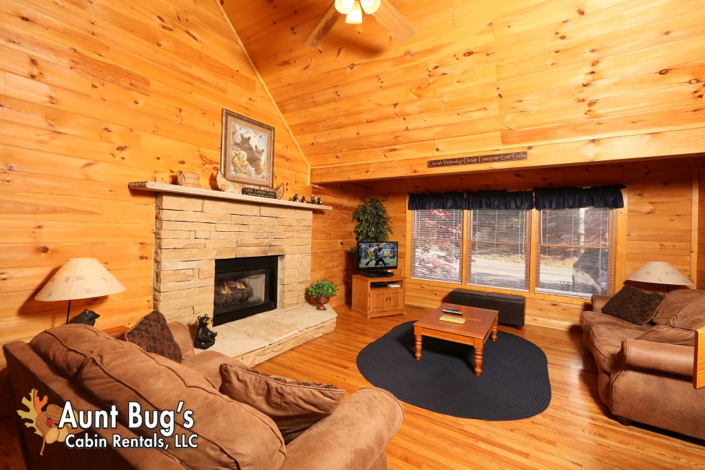 Photo of a Gatlinburg Cabin named Morning Mist #246 - This is the third photo in the set.
