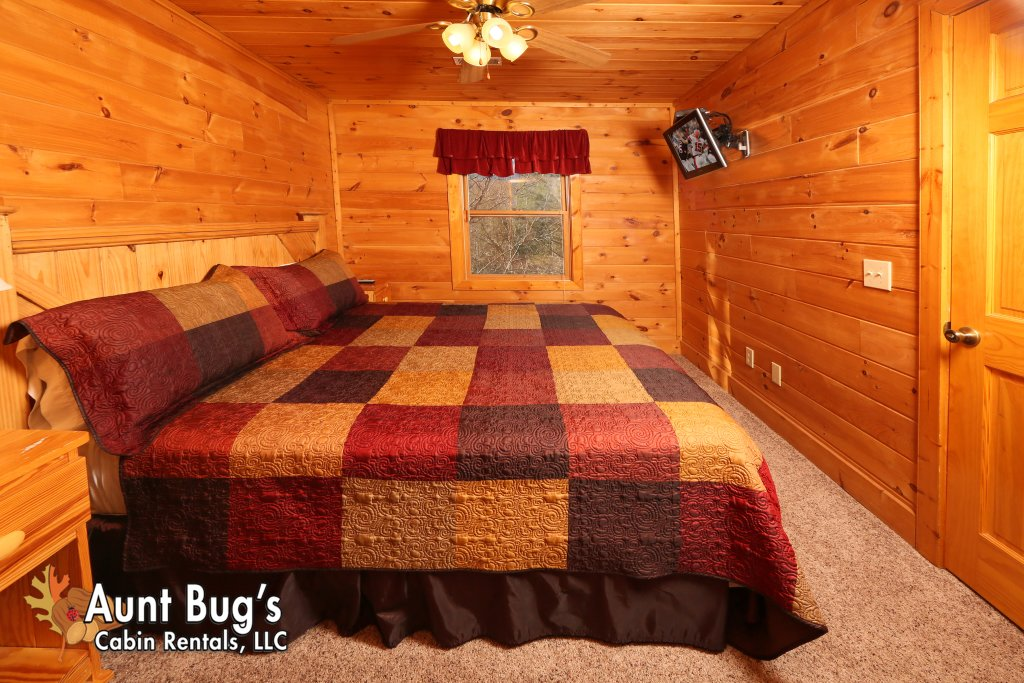 Photo of a Gatlinburg Cabin named Morning Mist #246 - This is the fourth photo in the set.