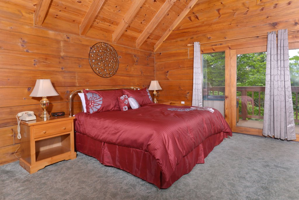 Photo of a Gatlinburg Cabin named Foxy Lady #1531 - This is the third photo in the set.