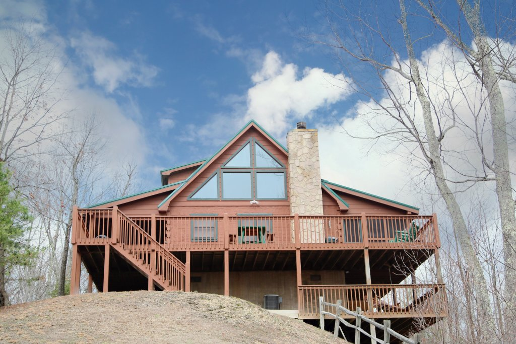 Photo of a Pigeon Forge Cabin named Tennessee Overlook - This is the first photo in the set.