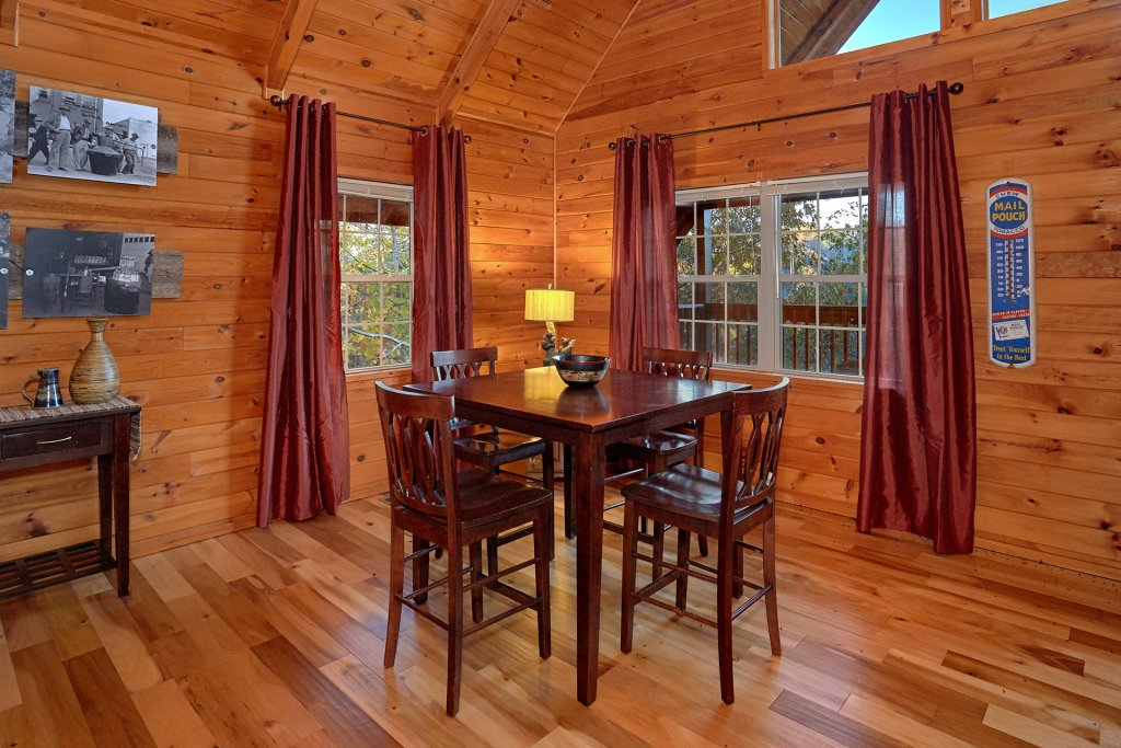 Photo of a Gatlinburg Cabin named Moonshiners View - This is the eleventh photo in the set.