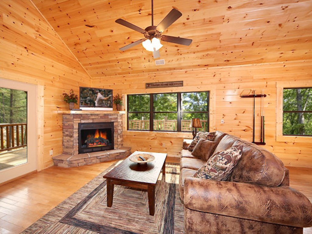 Photo of a Gatlinburg Cabin named Southern Comfort - This is the ninth photo in the set.