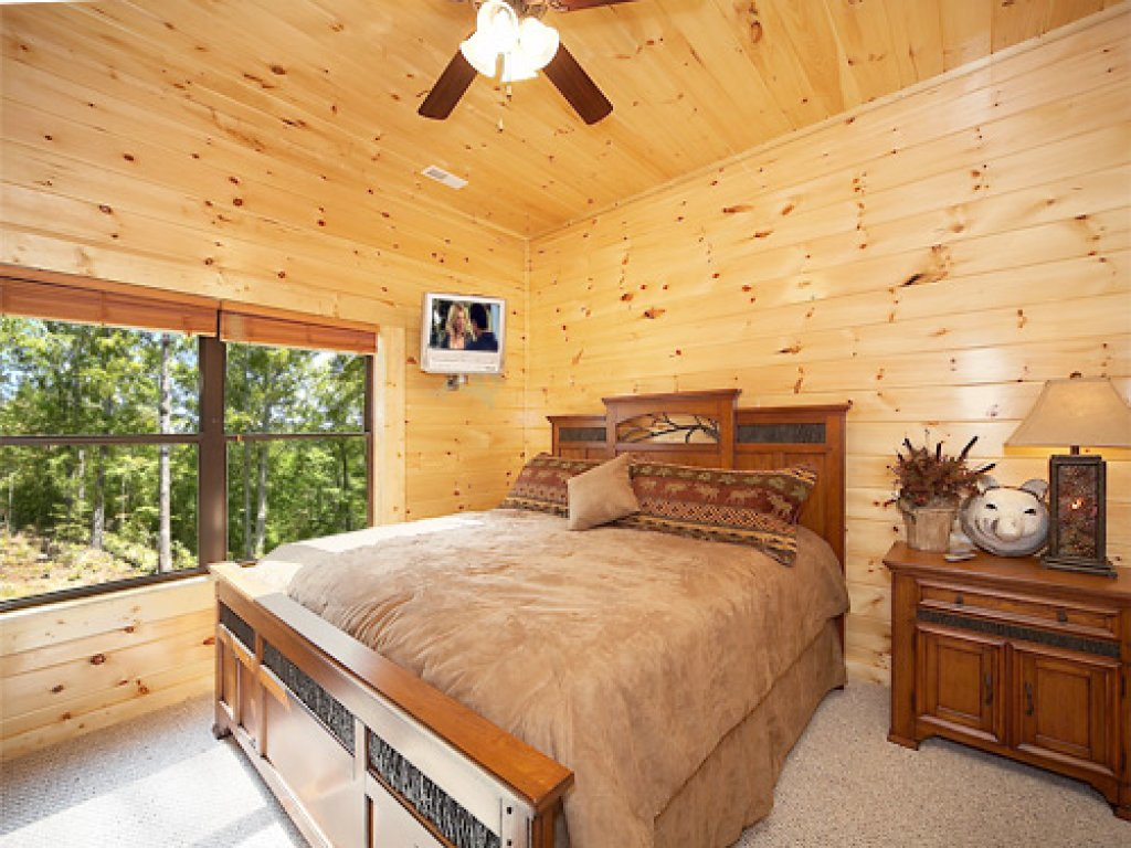 Photo of a Gatlinburg Cabin named Southern Comfort - This is the fifteenth photo in the set.