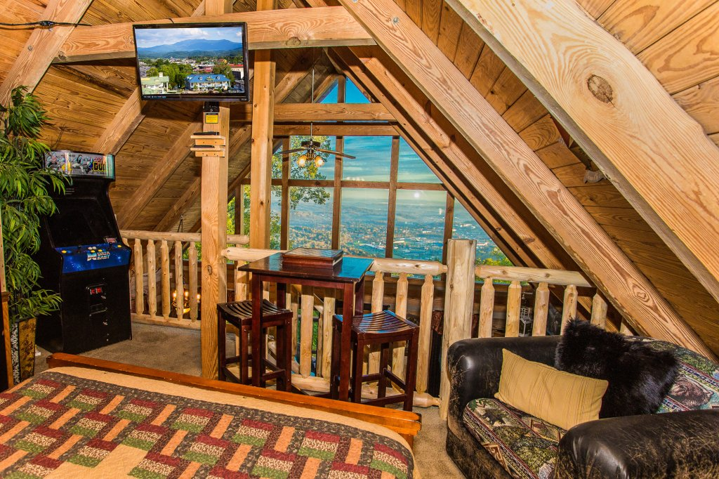 Photo of a Gatlinburg Cabin named Eagle's View - This is the twenty-eighth photo in the set.