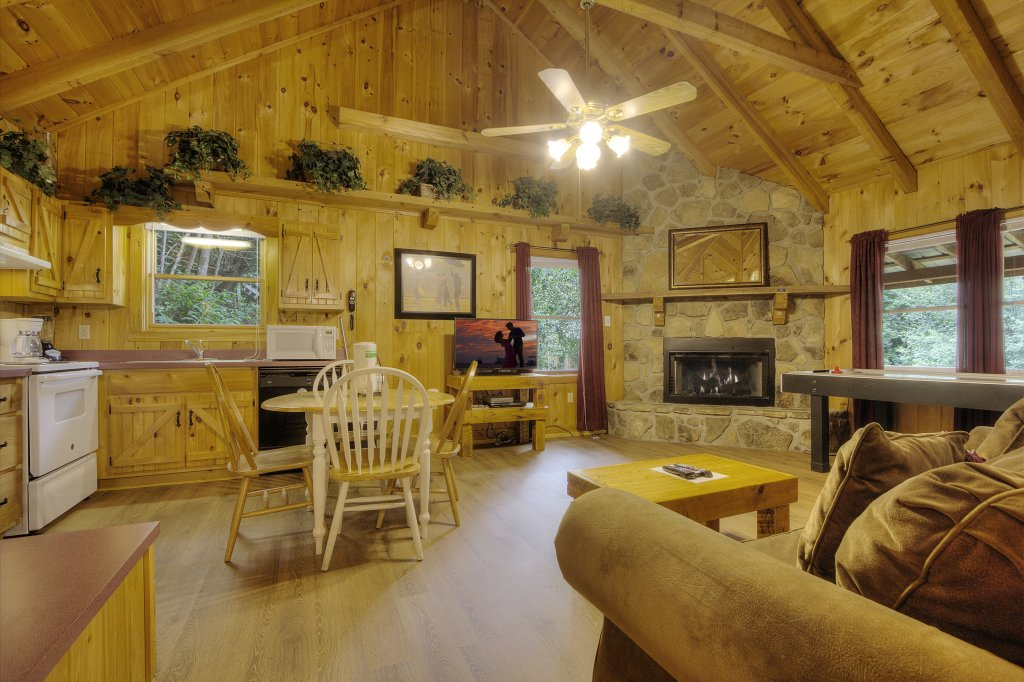 Photo of a Pigeon Forge Cabin named Stream Of Love #374 - This is the thirty-first photo in the set.