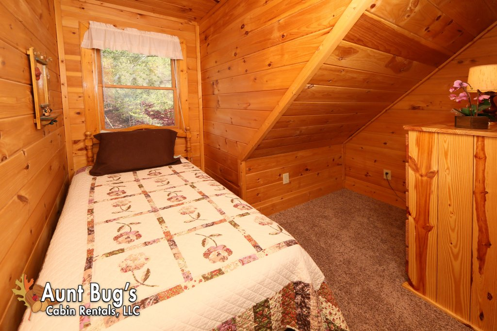Photo of a Gatlinburg Cabin named Morning Mist #246 - This is the twenty-first photo in the set.