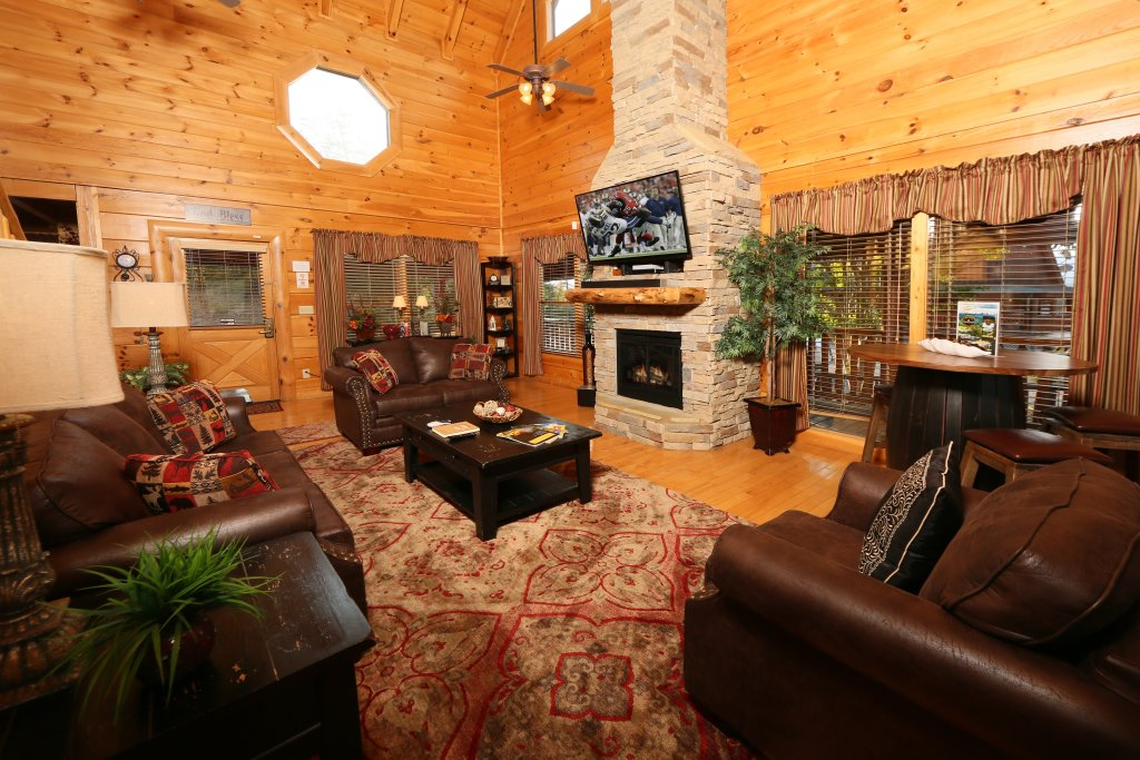 Photo of a Pigeon Forge Cabin named Better View - This is the sixteenth photo in the set.