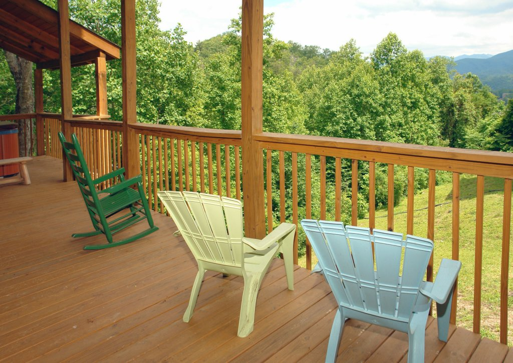 Photo of a Gatlinburg Cabin named Hillbilly Hilton #525 - This is the twelfth photo in the set.