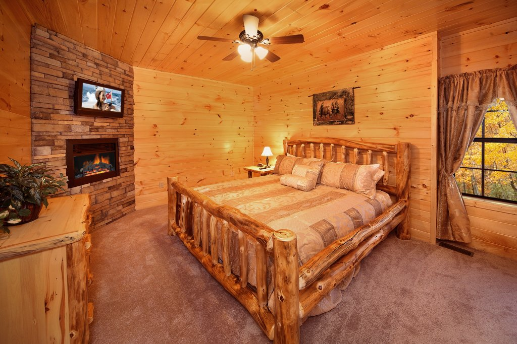 Photo of a Gatlinburg Cabin named Living In Paradise - This is the ninth photo in the set.