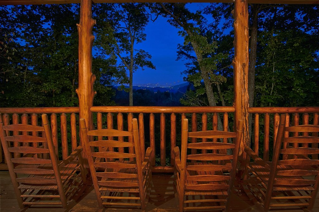 Photo of a Pigeon Forge Cabin named Pinnacle Vista - This is the fourth photo in the set.