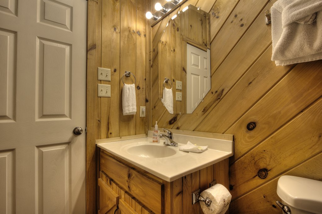 Photo of a Pigeon Forge Cabin named Stream Of Love #374 - This is the twenty-fifth photo in the set.