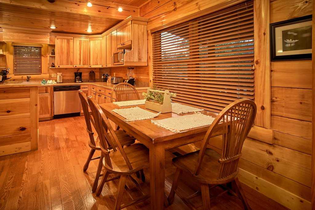Photo of a Pigeon Forge Cabin named Pinnacle Vista - This is the sixteenth photo in the set.