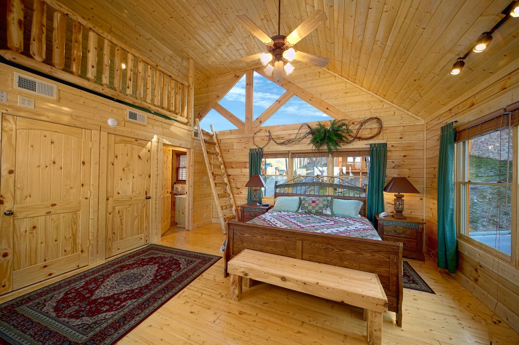 Photo of a Sevierville Cabin named Awesome Views - This is the eleventh photo in the set.